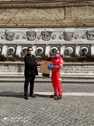 Miniatura per l'articolo intitolato:Donazione di Mascherine alla Croce Gialla Ancona
