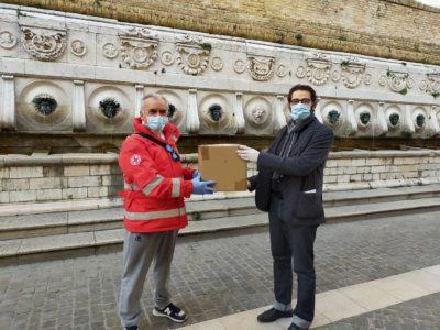 Miniatura per l'articolo intitolato:Donazione di Mascherine alla Croce Rossa Ancona